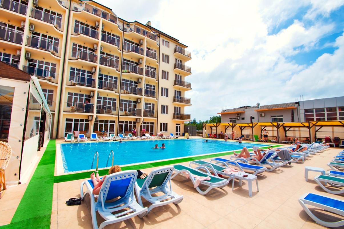 Курортный отель «Ателика Гранд Меридиан 3***»